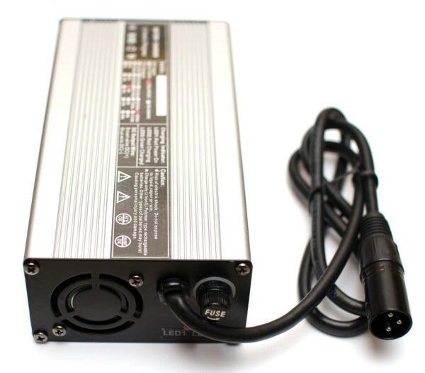 Chargeur rapide pour batterie Lithium 36V / 4A - prise XLR