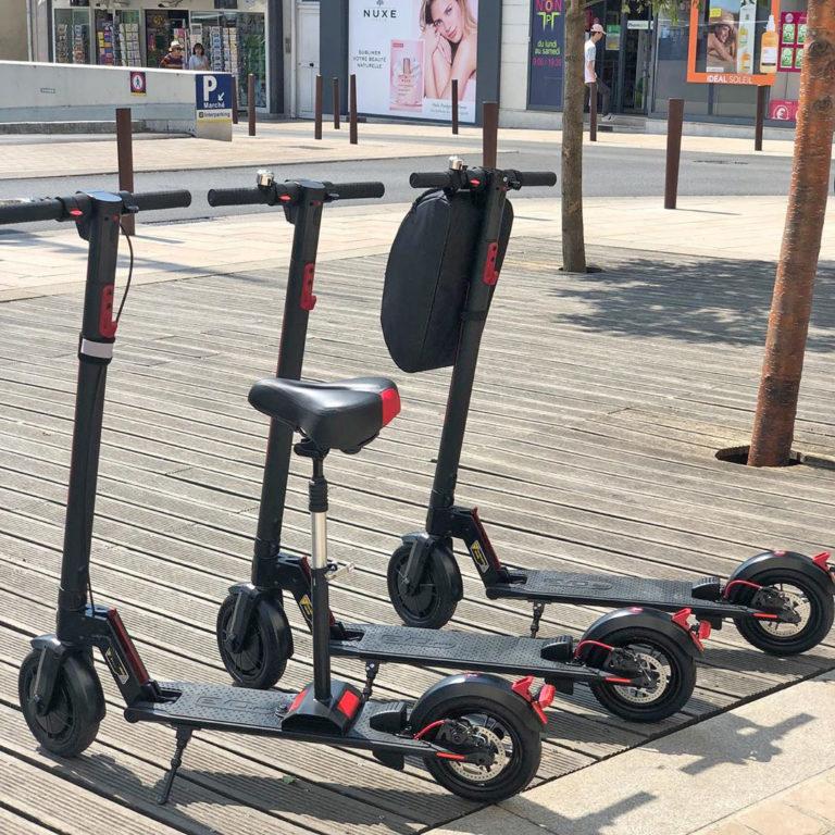 smollville-revendeur-skate-et-trottinette-électrique-evo-ic85 polyvalente et confortable, utilisable aussi bien en ville que sur les chemins.
