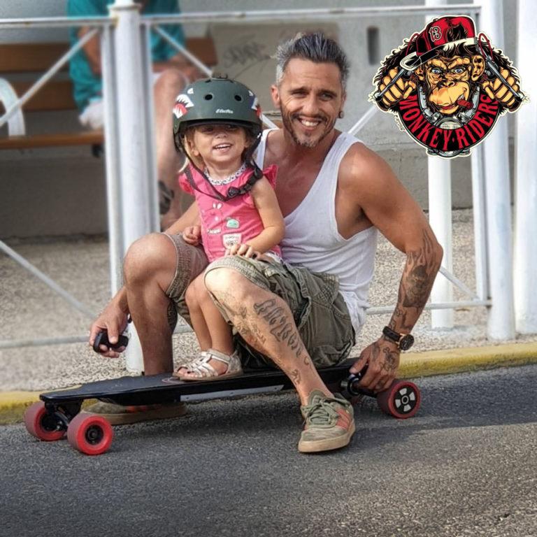Skate-électrique-Longboard-chez-Monkey-riders-à-Toulon